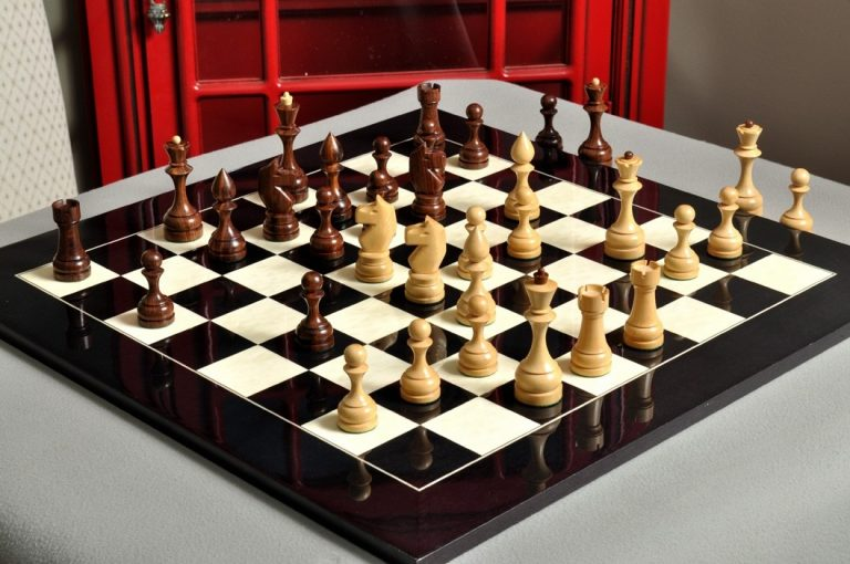 Kiev Chess Set