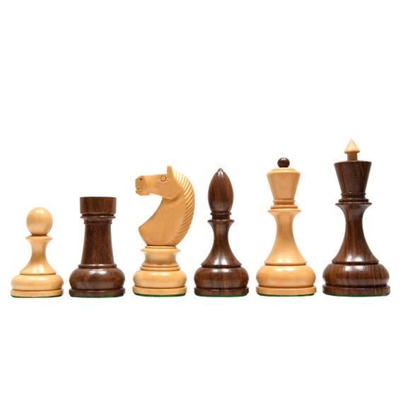 1940-50 REPRODUCED (SOVIET ERA) RUSSIAN SERIES CHESS PIECES