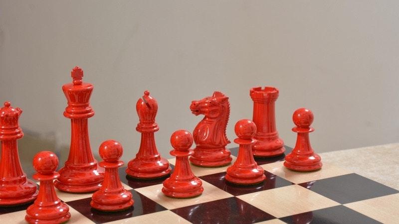Nimzovich Chess Set